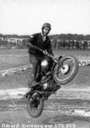 moto cross maison carrée 1960