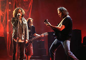 Neil_Young_Pearl_Jam