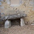 DOLMEN NORMAND A L' EGLISE ST GEORGES