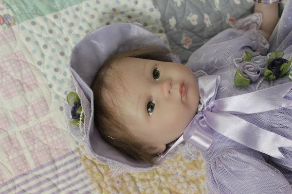 Free-Shipping-Brand-New-Creative-Lifelike-Reborn-Baby-Dolls-Artificial-Doll-Gift-For-Girls-Children-s