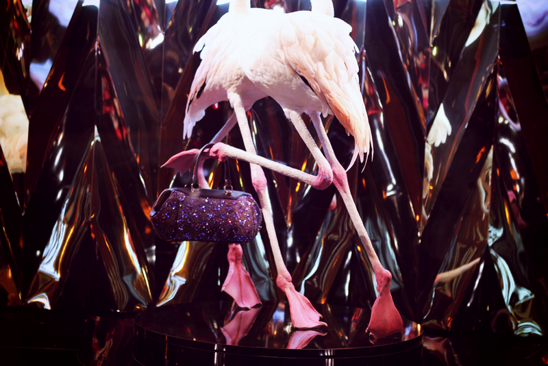Vitrines flamand rose Vuitton Galeries Lafayette