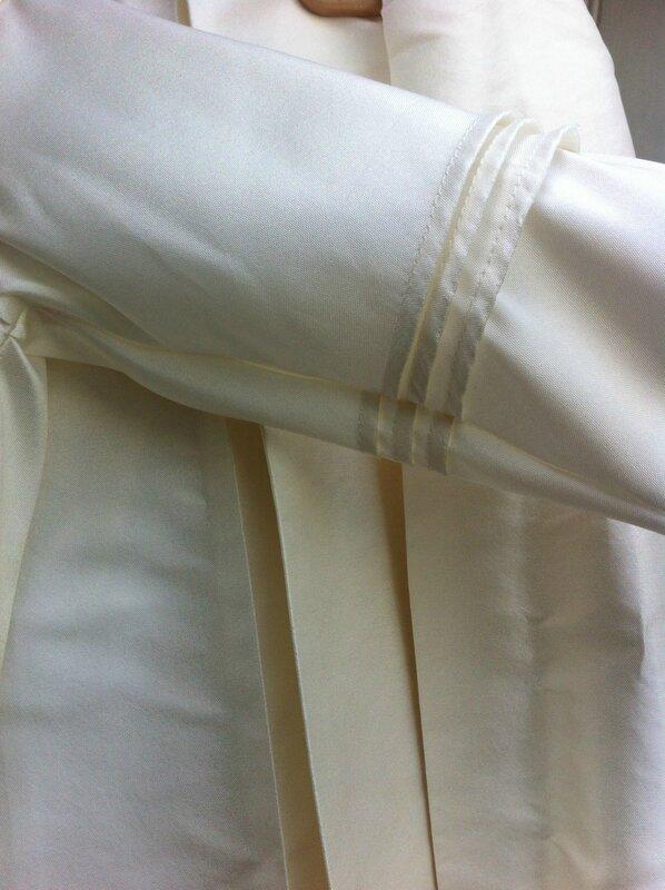 robe de bapteme-plis religieuses
