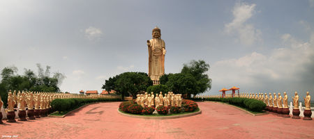 les_bouddhas_de_FoKuangShang_panoramic