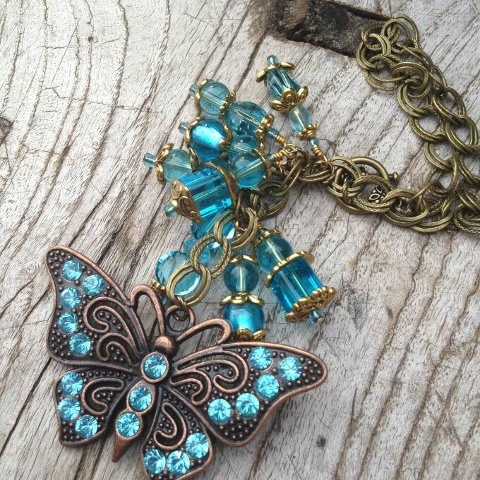 Vintage-Butterfly-Pendant-Necklace