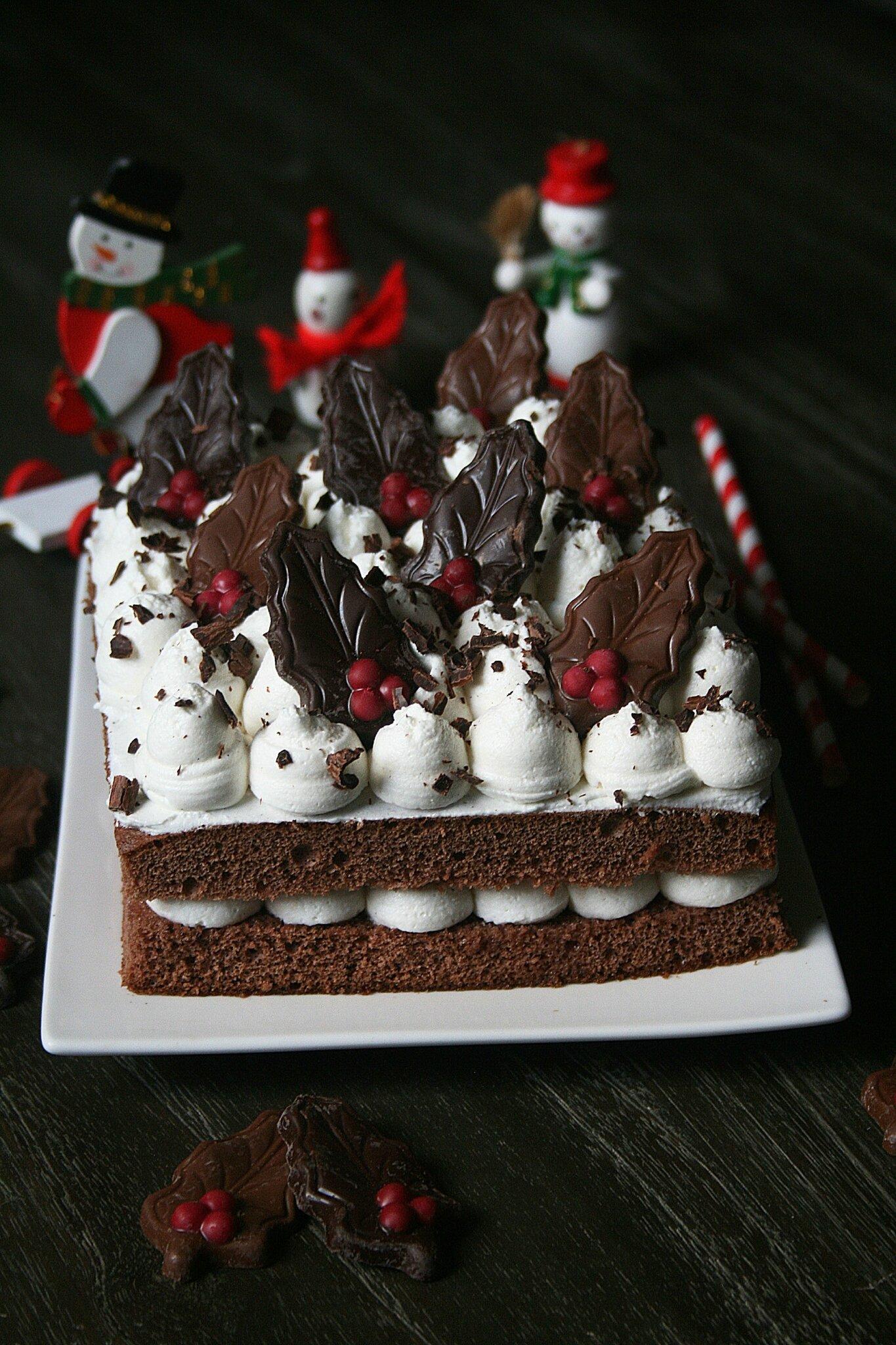 Gâteau au chocolat et fève Tonka, mi-bûche mi-forêt noire pour la battle food #38