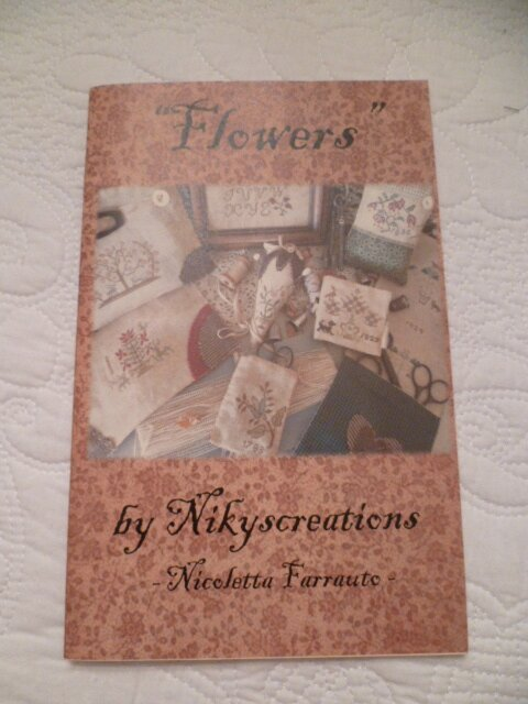 FLOWERS NNikyscreations NK12 ATTENTION BOOKLET *** 13 euros