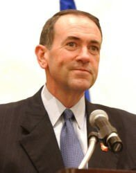 196px_Mike_Huckabee_speaking_at_HealthierUS_Summit