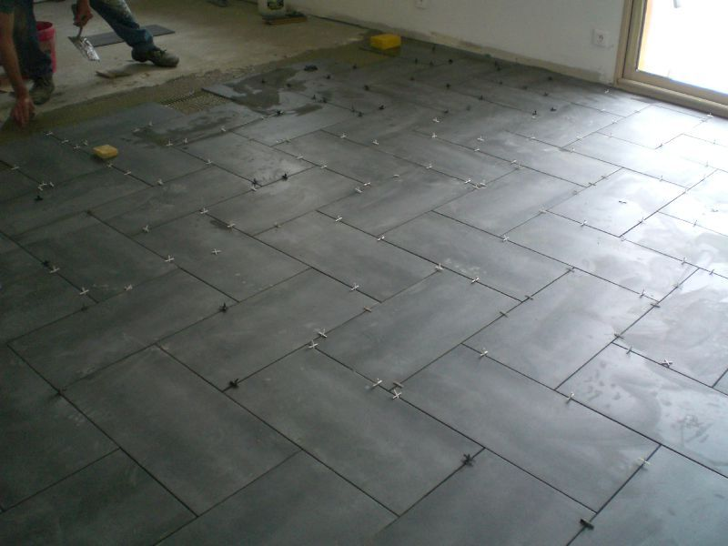 Pose du carrelage construction de notre maison for Carrelage 60x60 pose droite ou diagonale