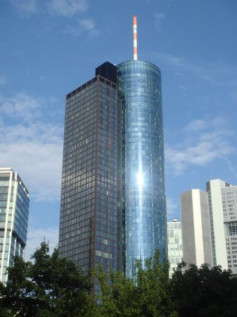 Maintower_frankfurt_sun