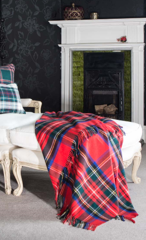 luxury cashmere throw royal stewart tartan 595 livres sterling (3)