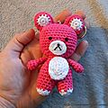 Porte-clé ourson rose au crochet