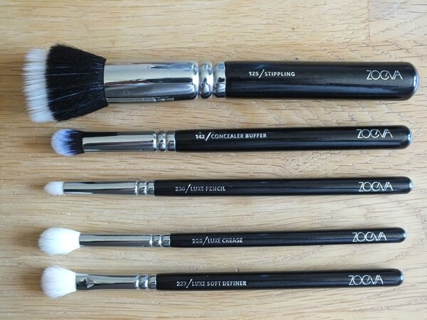 4 Classic Brush Set Kit Pinceaux Teint Yeux Zoeva The Beautyst