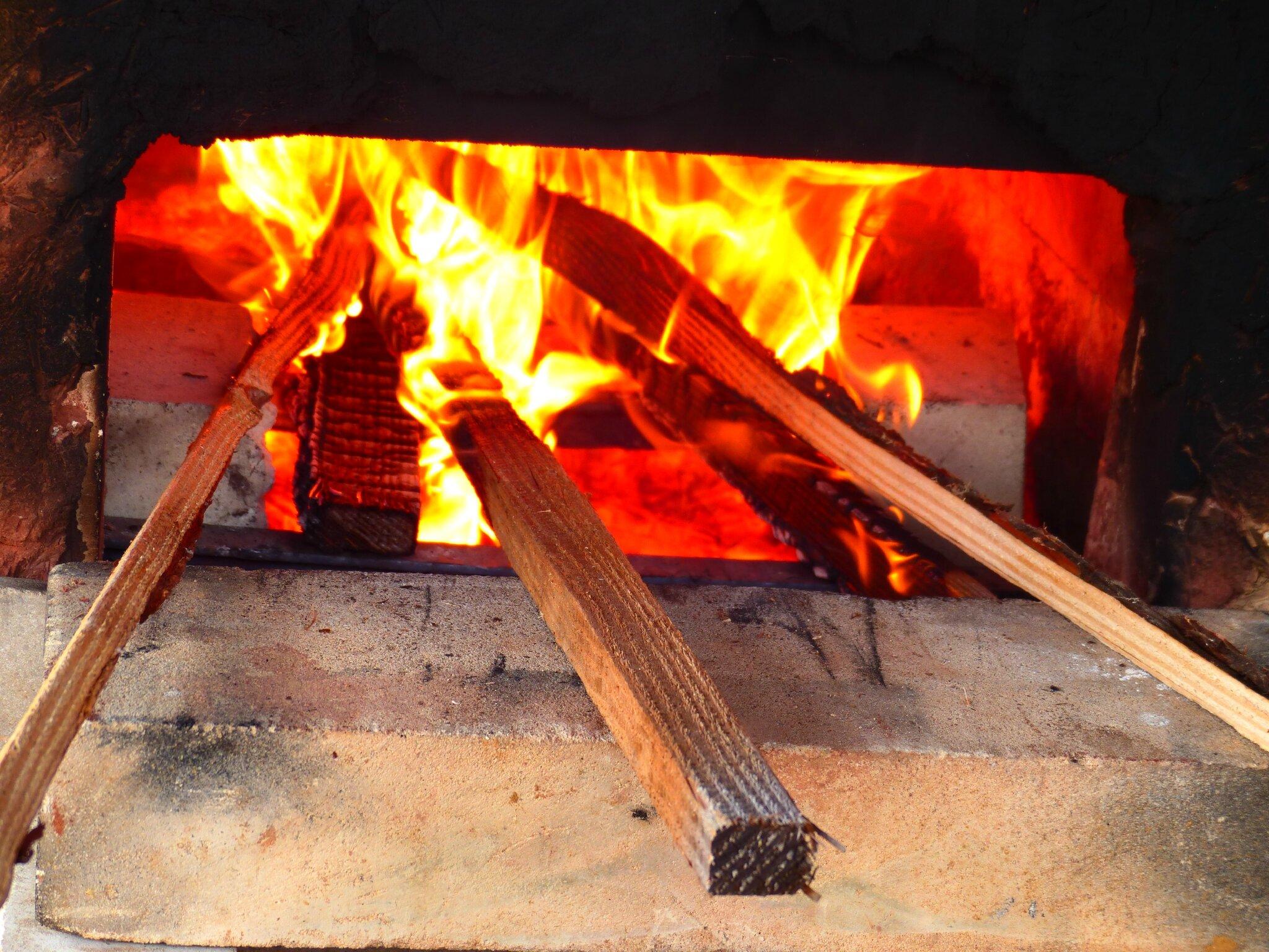Stage de terres sigillées spécialisation cuissons. Cuisson africaine, cuisson au bois et pit firing