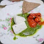 Tomates grillées, pesto de pistache et Mozzarella