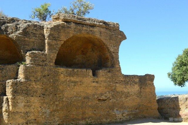 Nécropole du mur sud - Vallée des Temples - Agrigento - Sicile Empedocle d' Akragas Fragments