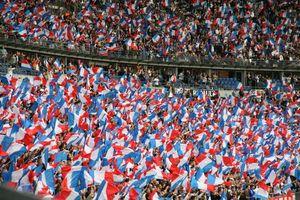 stade-de-france-12-juillet-2008-france-98-drapeau-bleu-blanc-rouge-france