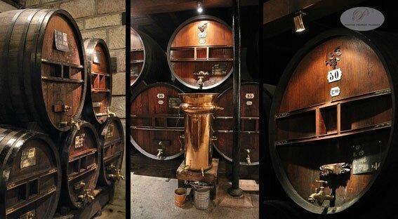BRIVE_LA_GAILLARDE_Distillerie_DENOIX_fourdres_de_vieillissement_en_chene