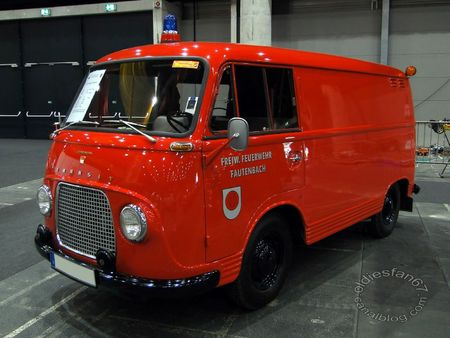 Ford transit 1250 tsf 1962 RegioMotoClassica 2011 1