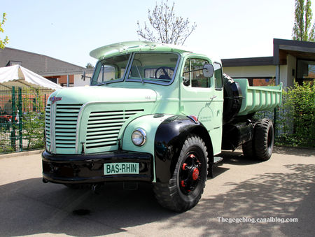 Berliet_type_GLR_benne__7_me_bourse_d__changes_autos_motos_de_Chatenois__01