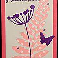 Des fleurs ... du feuillage ... des perles ... un papillon ... une carte de voeux féminine en corail et violet !