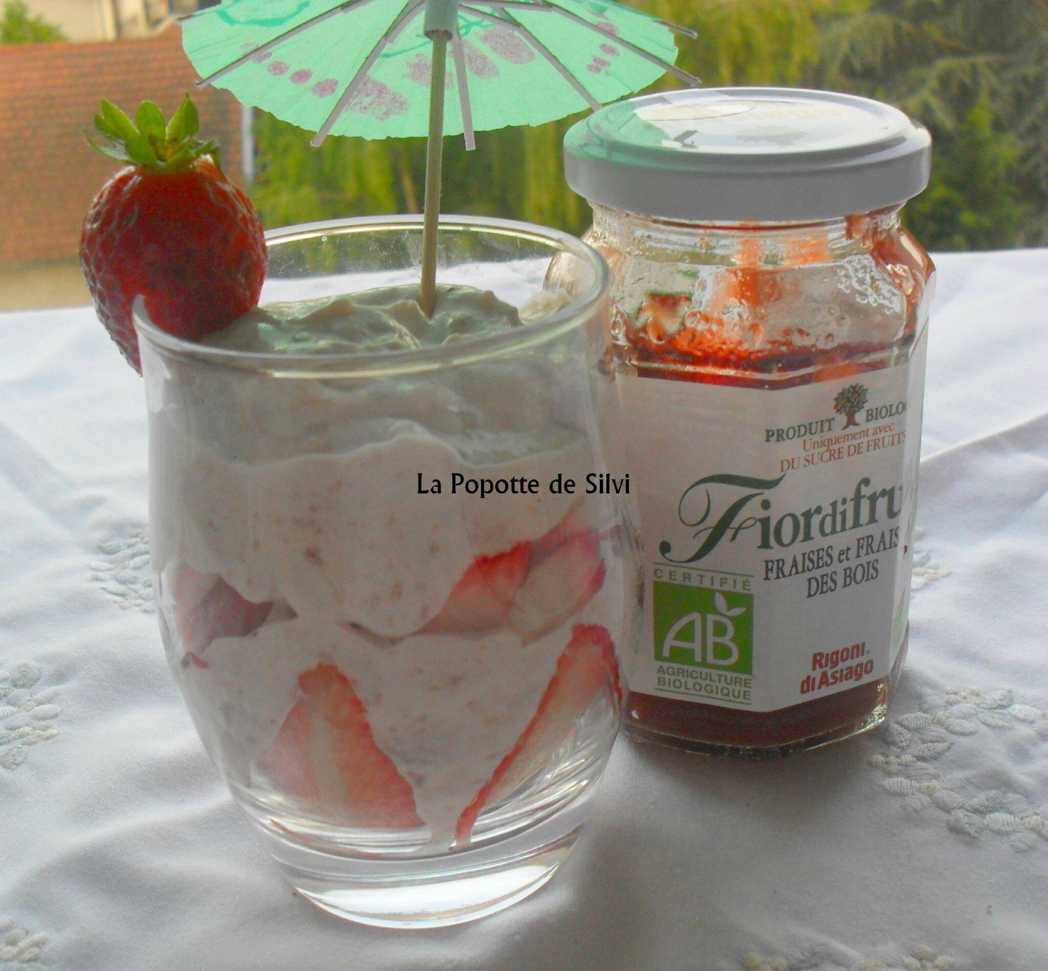 verrine express aux fraises cr 232 me fraiche et confiture de fraises la popotte de silvi