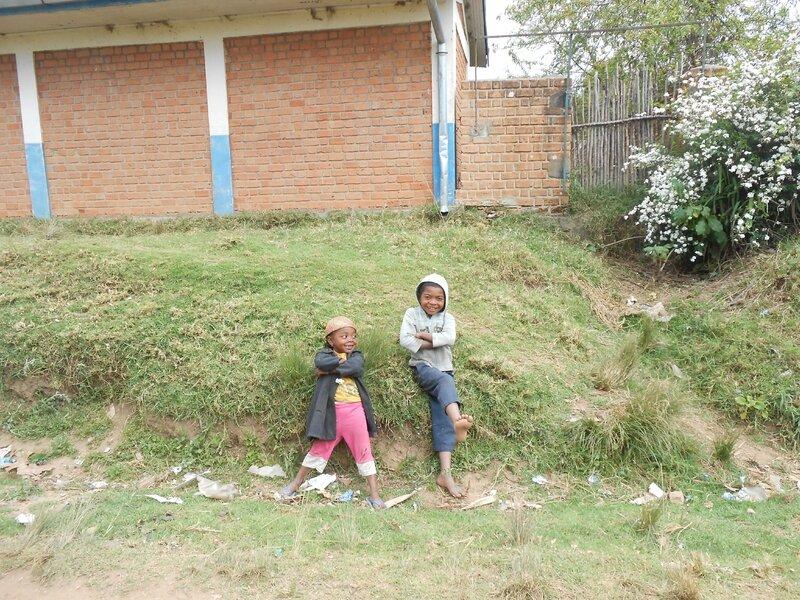 enfants avec leur sourire malin