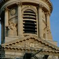 Détail d'une des tours de Saint-Sulpice.