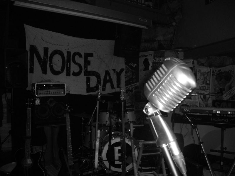 NOISE DAY - LIVE 2010;2011 (19)