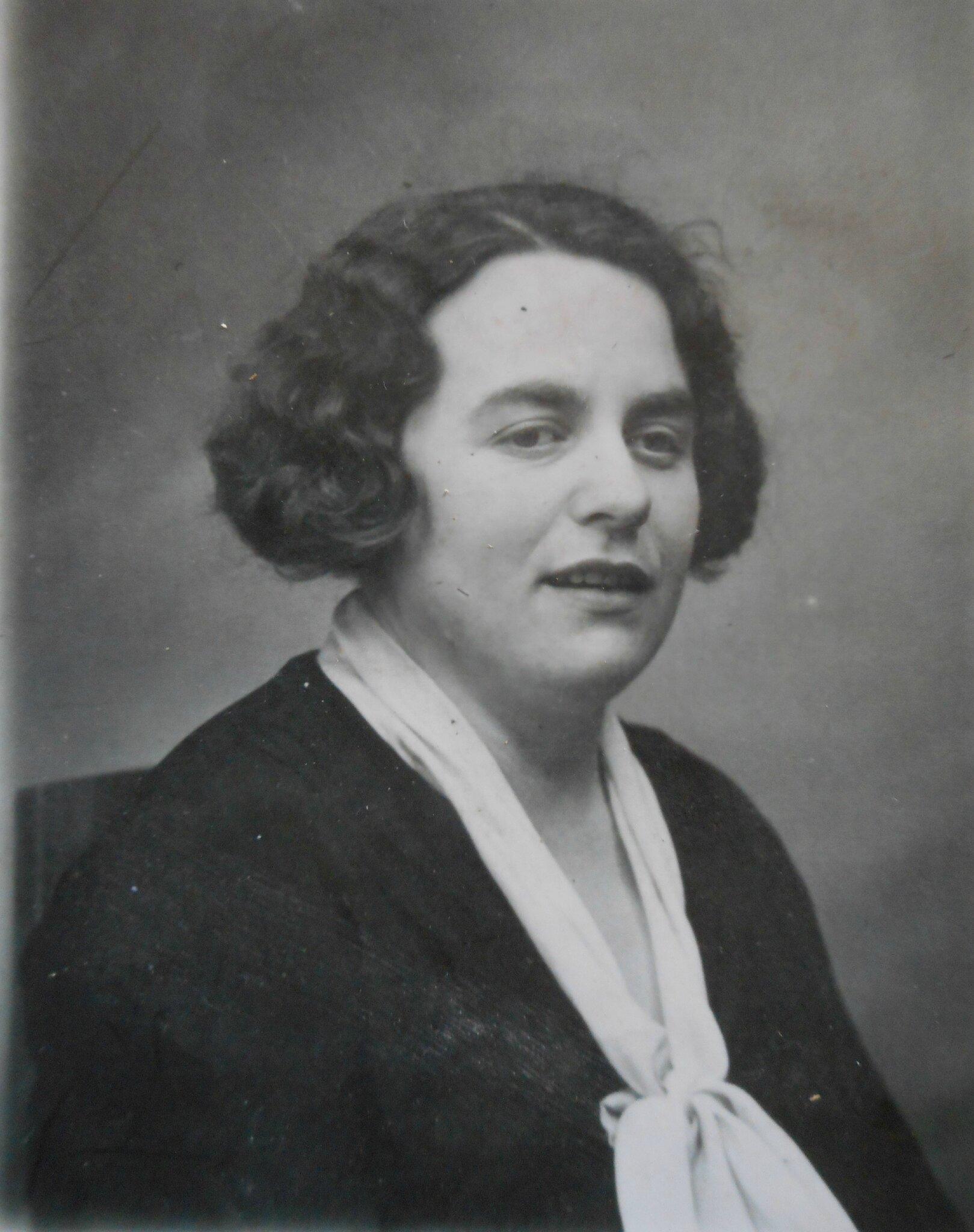 Elle eut 8 enfants dont <b>Jacqueline Odile</b> Queffelec née en 1928 et adoptée <b>...</b> - 106317049_o