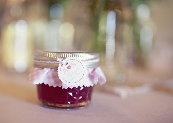 berry_pink_wedding_ideas_14