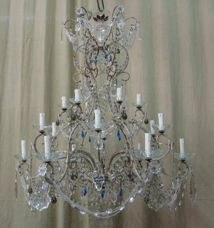 lustre de fabrication artisanale pampilles bleues cr ation artisanale de luminaires de luxe. Black Bedroom Furniture Sets. Home Design Ideas