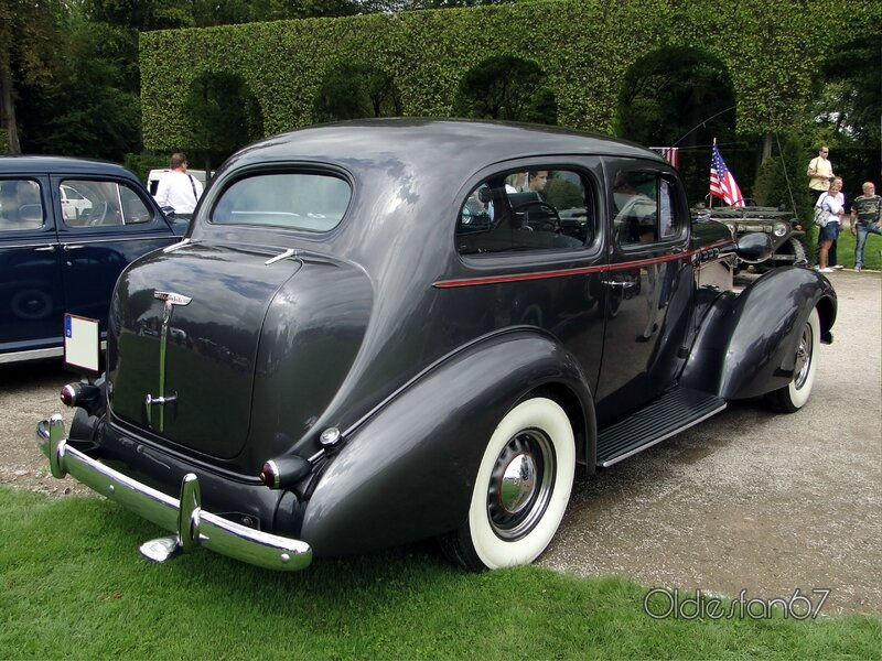 oldsmobile-l36-eight-touring-sedan-1936-b
