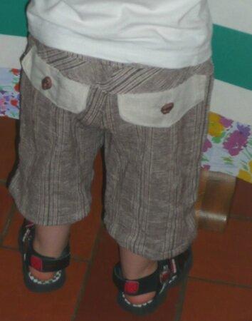 pantalon Printanier porté vu de dos