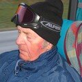 Grand Père, dans le bus, il dort!