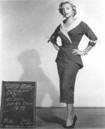 1951-04-05-LoveNest-test_costume-renie-mm-030-1