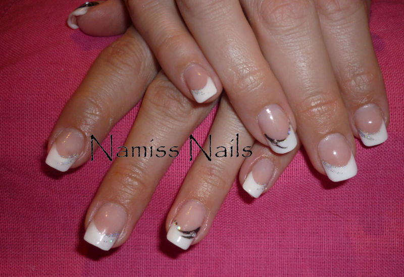 Liners liners vos ongles ma passion - Deco ongle simple ...
