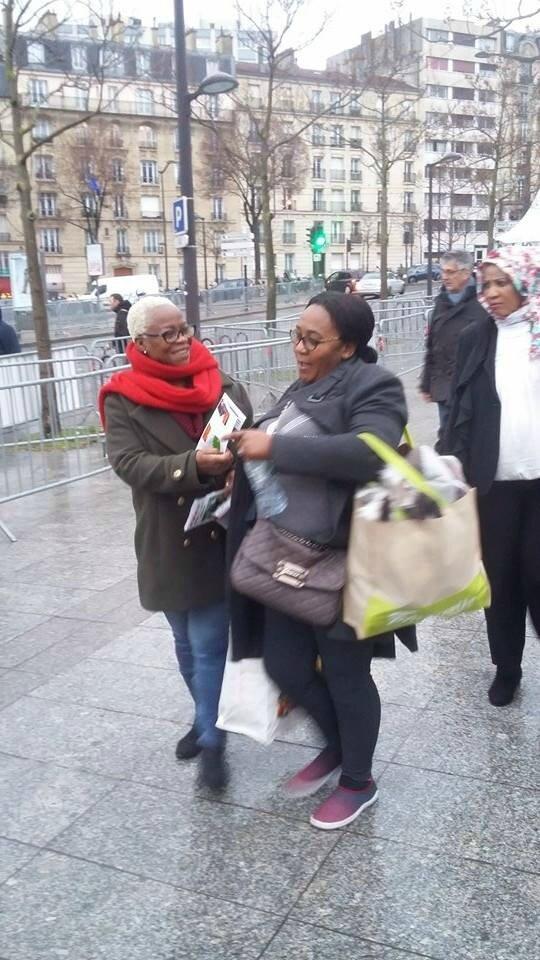 MOBILISATION POUR LIBÉRATION DU PRÉSIDENT LAURENT GBAGBO AU SALON INTERNATIONAL DE L'AGRICULTURE A PARIS