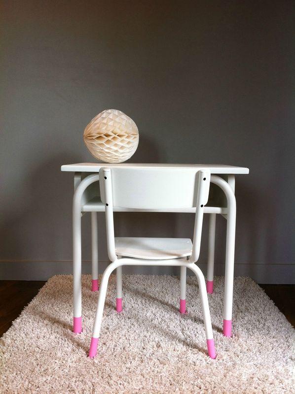 bureau et petite chaise enfant vintage des id es douces. Black Bedroom Furniture Sets. Home Design Ideas
