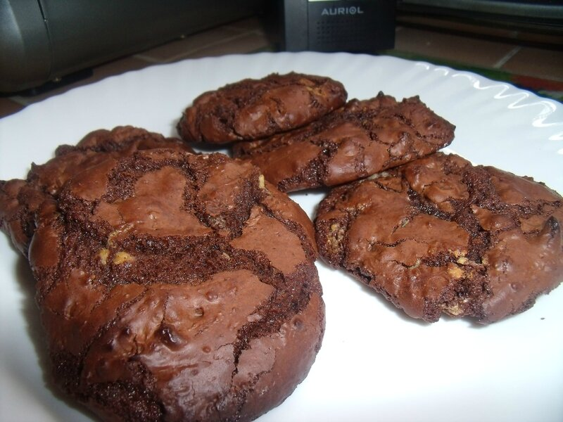 outrageous chocolate cookies (5)