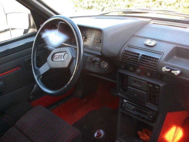 Peugeot205GTIint