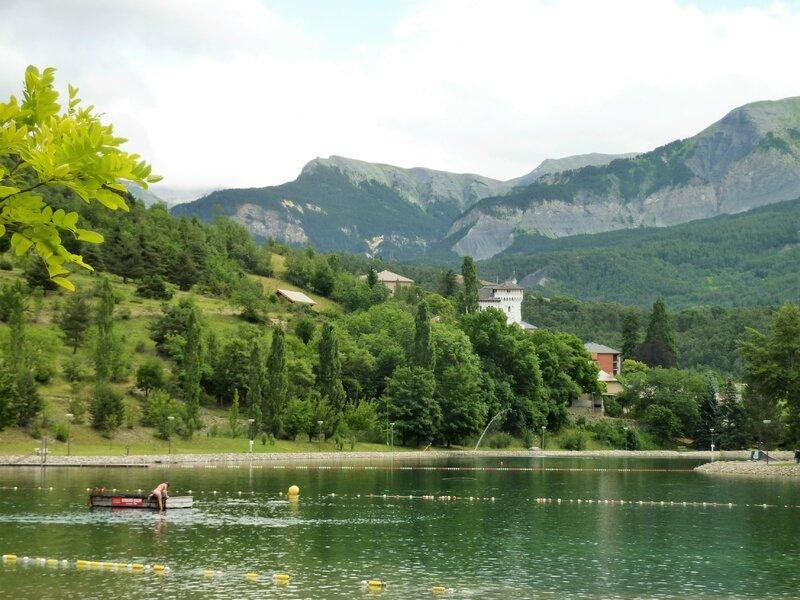 152 - Le lac et la villa des Magnans