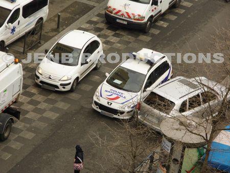 2012 11 19 Noisy-le-Sec Voiture en sens interdit© JENB Productions (1b)
