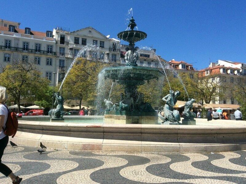 259 - Lisbonne Fontaine - Place Dom Pedro IV le 07