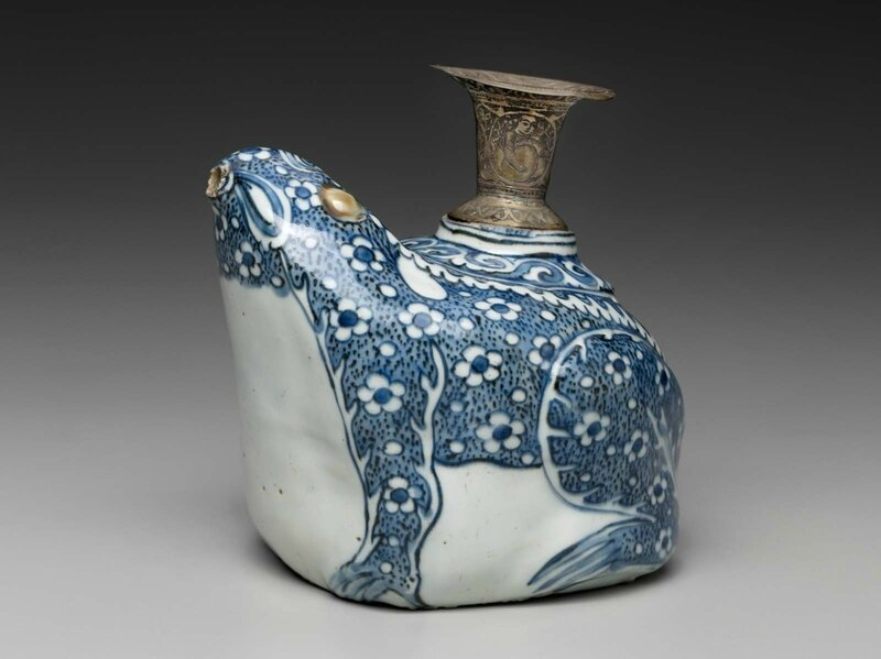 Kendi in the form of a frog, Late Ming dynasty, Wanli period, early 17th century