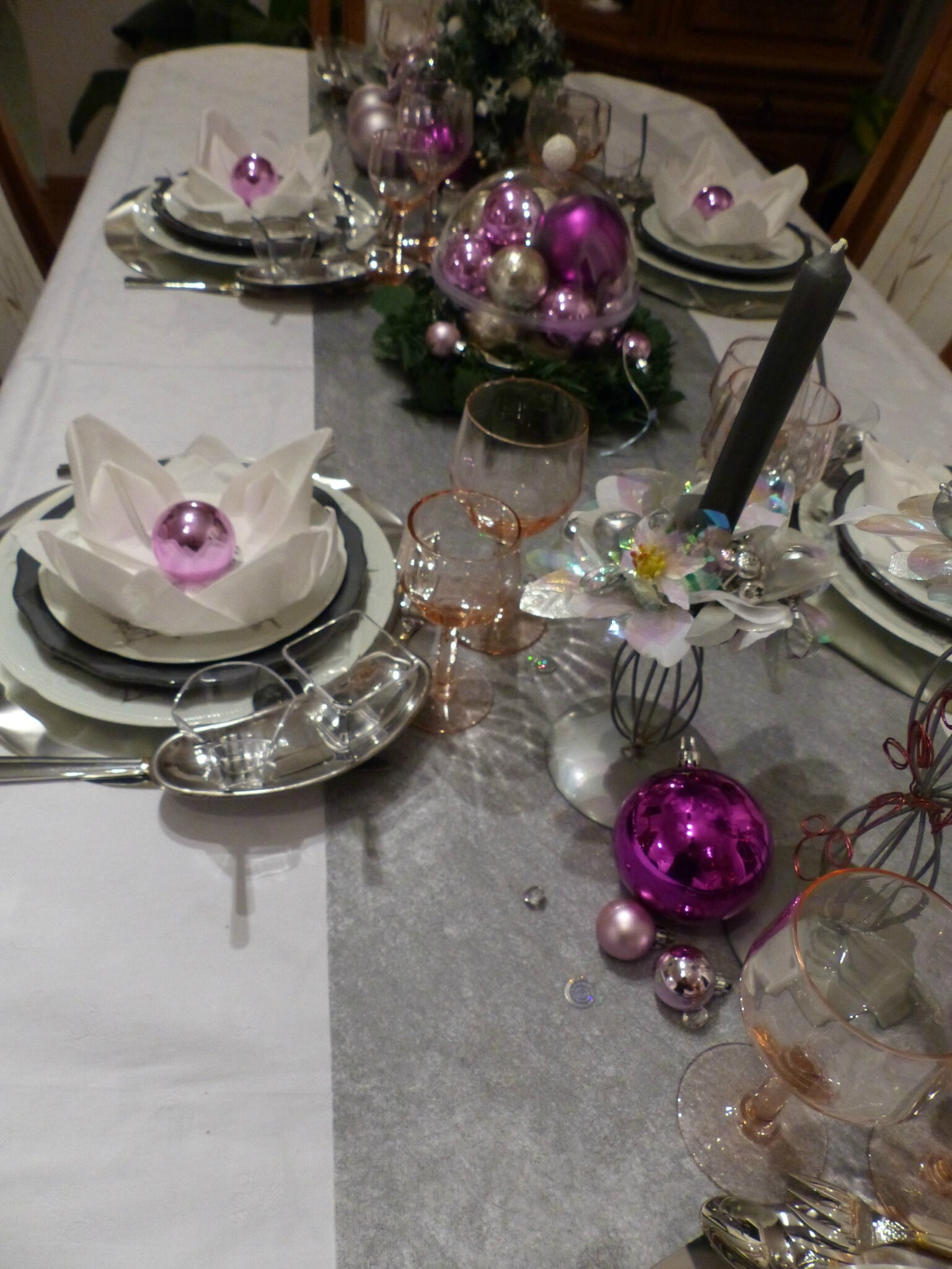 Table De No L Rose Et Gris Argent Cuill Re Gourmande