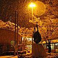 On tue la une: il a neigé sur tokyo!