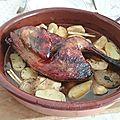 Pintade épicée au cidre et aux pommes au four