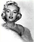 1952_WhiteFur_020_necklace_pearls_021_1