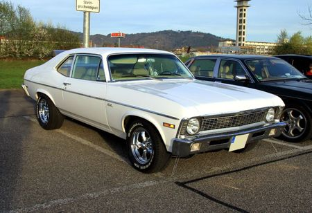 Chevrolet nova 2door coupe (1971-1972)(Rencard Burger King avril 2011) 01
