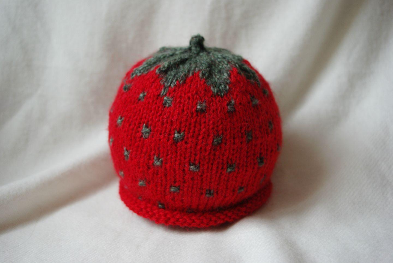 56df64e0a08 Bonnet tricot fraise bébé - Zizique.fr